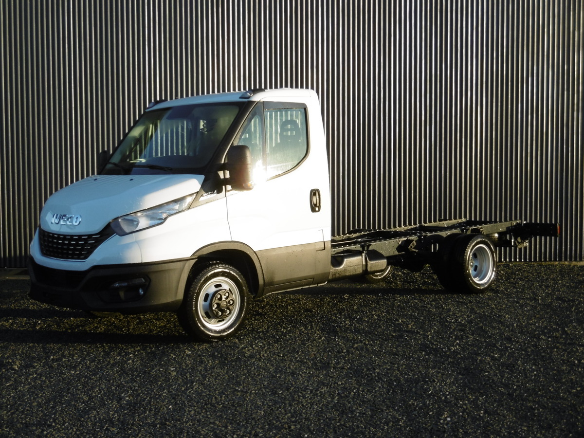 IVECO DAILY CHASSIS CABINE 35 C21 EMPATTEMENT 3750