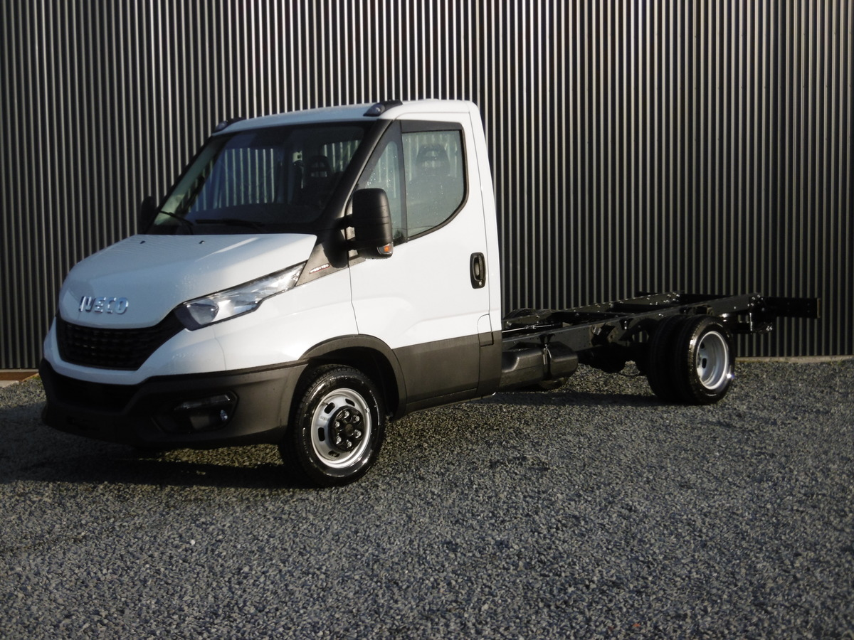IVECO DAILY CHASSIS CAB 35 C18 EMP 3750