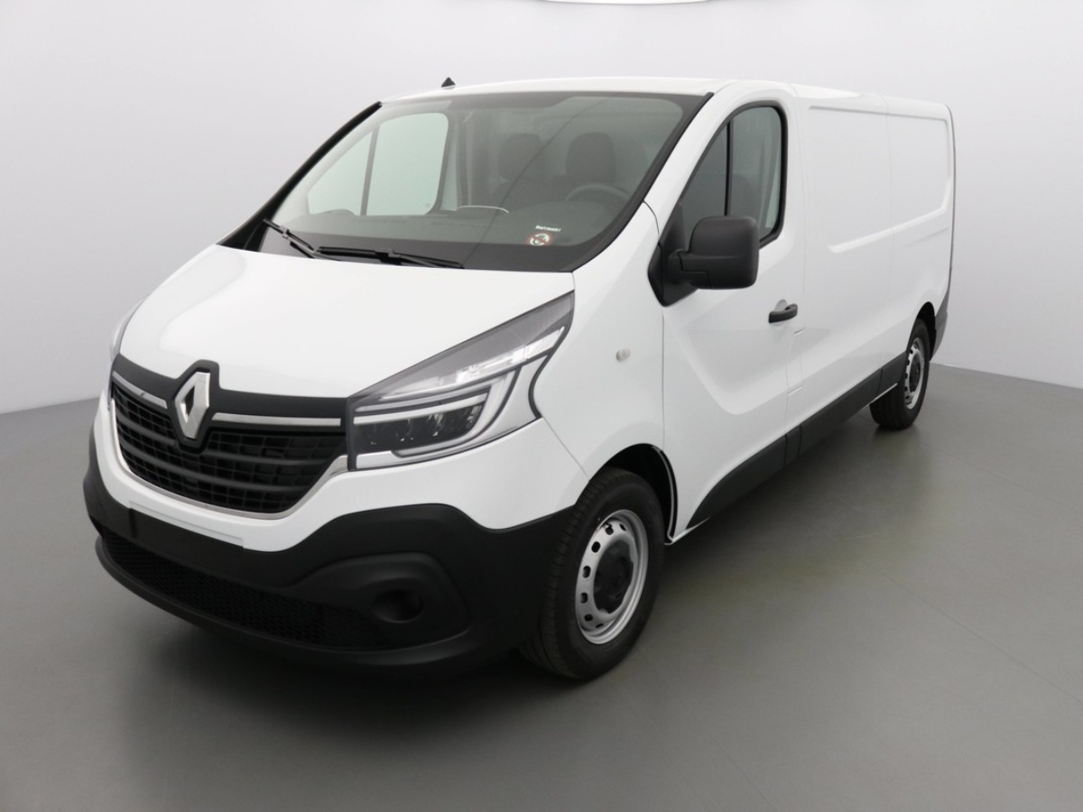 RENAULT TRAFIC PHASE 2 L2H1 CONFORT 145 BLUE DCI